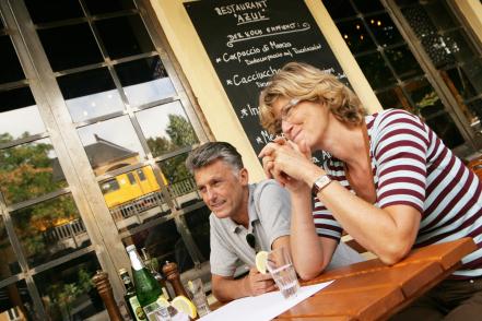 Kozzi Mature Couple Dining At A Restaurant 441 X 294