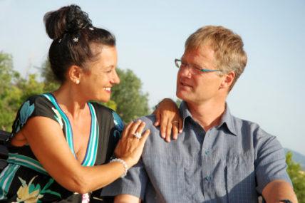 Couple Happy Near Trees Land 428x285